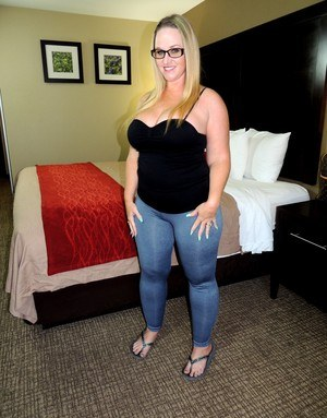 Chubby In Jeans Pics